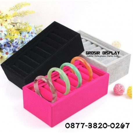 Nampan Display Gelang Bangle Bracelet Bludru Pajangan Cincin Ring Jewelry