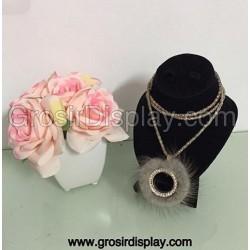 Display Kalung Mini Bludru Pajangan Toko Perhiasan